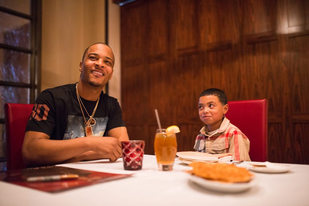 Drai's LIVE Artist Tip 'T.I.' Harris Meets with Make-A-Wish Member Mark at GIADA at The Cromwell 6.10_2