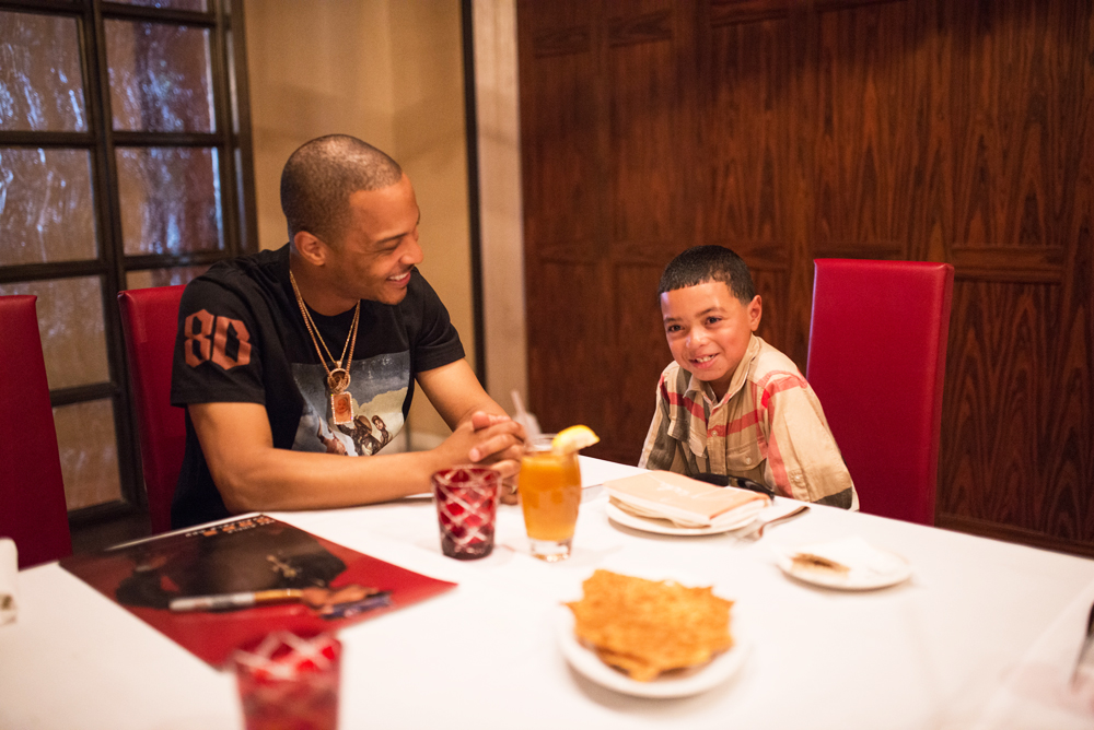 Drai's LIVE Artist Tip 'T.I.' Harris Meets with Make-A-Wish Member Mark at GIADA at The Cromwell 6.10_6