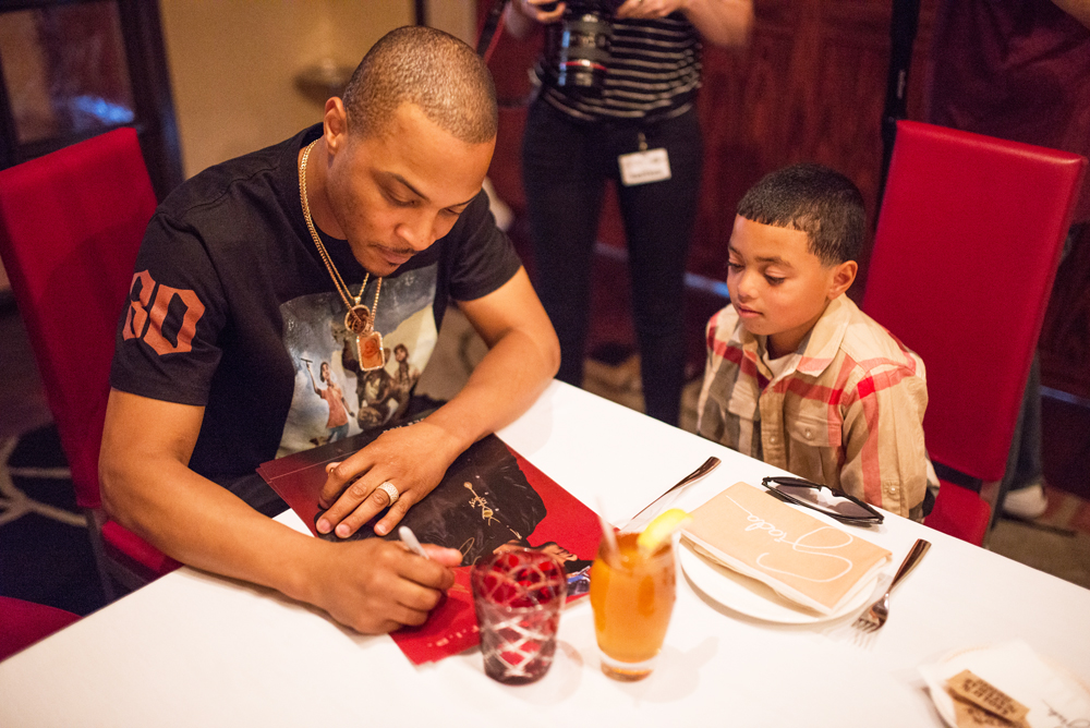 Drai's LIVE Artist Tip 'T.I.' Harris Meets with Make-A-Wish Member Mark at GIADA at The Cromwell 6.10_7