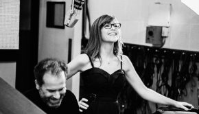 Lisa Loeb - Photo by Frances Iacuzzi