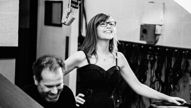 "a1df3cd904c Lisa Loeb On Her New ""Lullaby Girl"" Album With Larry Goldings ..."