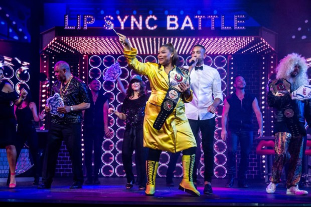 Queen Latifah rocks the stage of Carnival Horizon in a Lip Synch Battle agains Super Bowl Champ Jake Elliott (Photo: Amy Harris / Carnival)