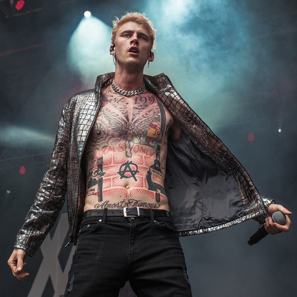 Machine Gun Kelly Bares All On New Song Hollywood Whore The Hype