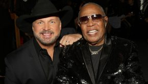Garth Brooks and Sam Moore